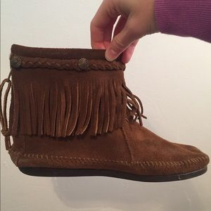 Minnetonka leather brushed fringe booties